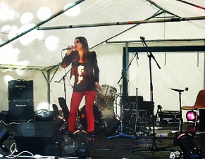 French singer Céline Schmink rock and blues festival Champagne